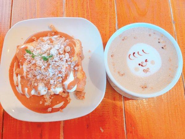 ハティフナット-吉祥寺のおうち-はアートでおしゃれかわいいカフェ!フードも絶品!